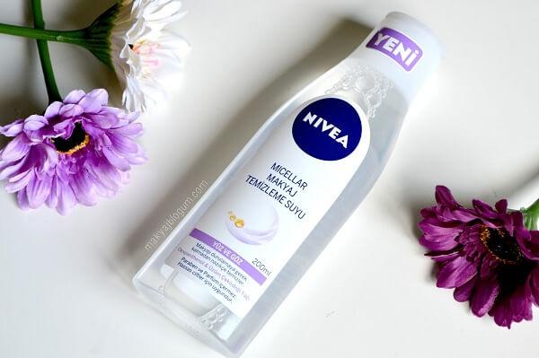 Nước hoa hồng Nivea xài tốt không