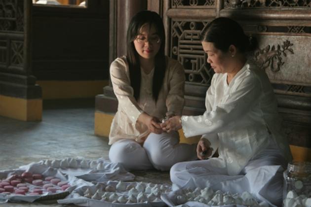 Phan Nu Hoang Cung Ba Phuong